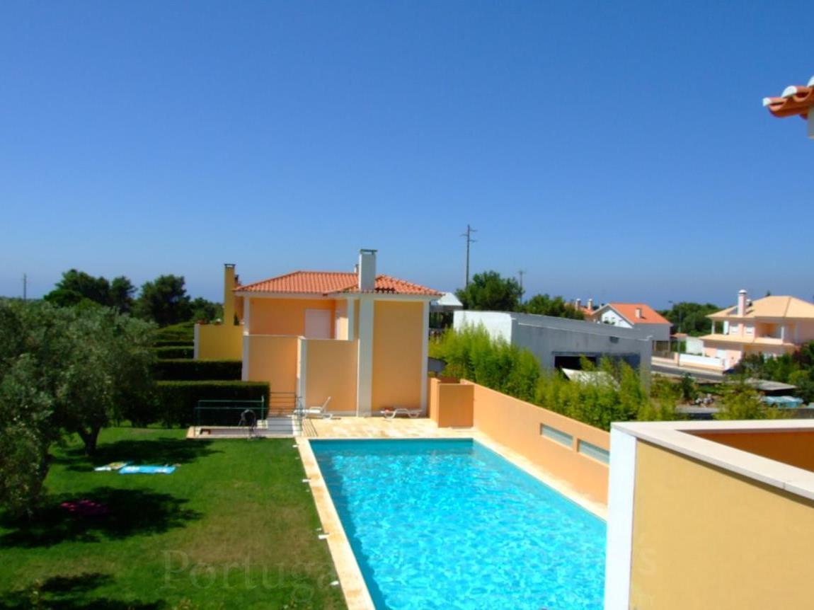 Vivienda unifamiliar por un Venta en House, 5 bedrooms, for Sale Cascais, Lisboa Portugal