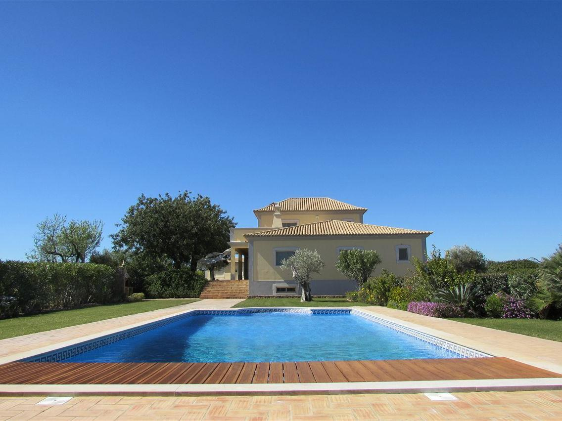 Single Family Home for Sale at Detached house, 5 bedrooms, for Sale Faro, Algarve Portugal