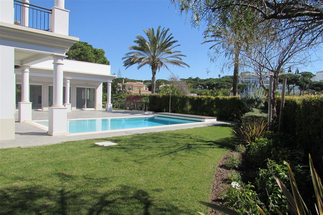 獨棟家庭住宅 為 出售 在 Detached house, 4 bedrooms, for Sale Loule, Algarve 8135-170 葡萄牙