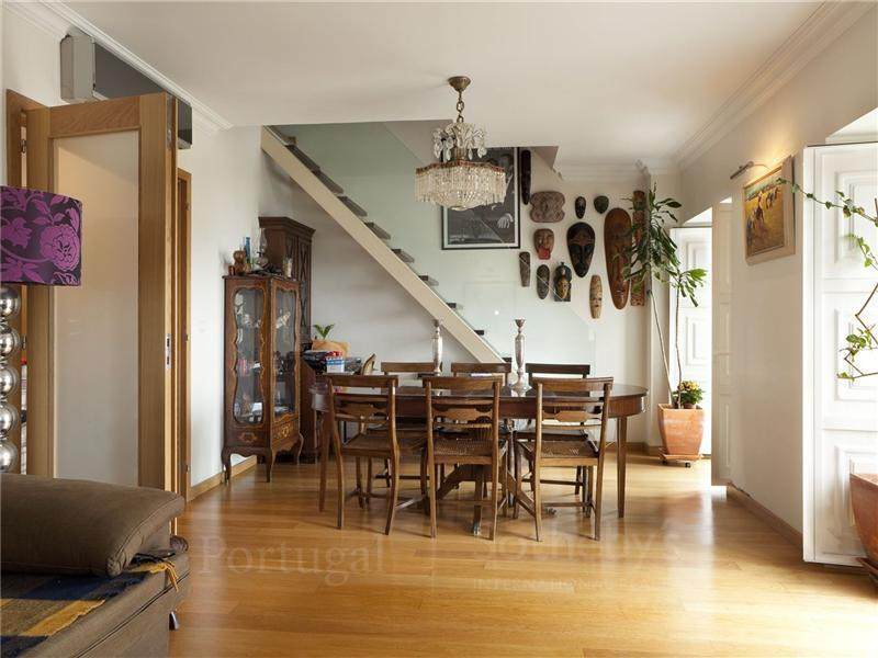 Apartamento por un Venta en Flat, 3 bedrooms, for Sale Alcantara, Lisboa, Lisboa Portugal