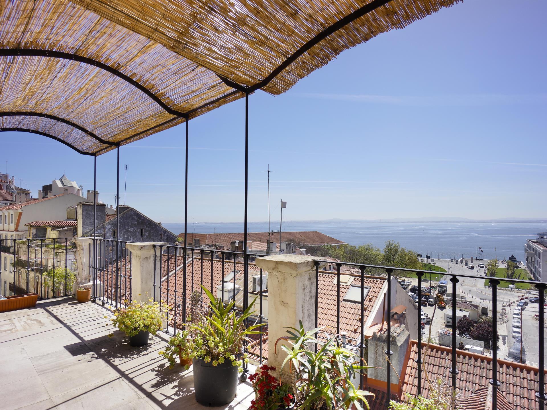 Appartement pour l Vente à Flat, 2 bedrooms, for Sale Chiado, Lisboa, Lisbonne Portugal