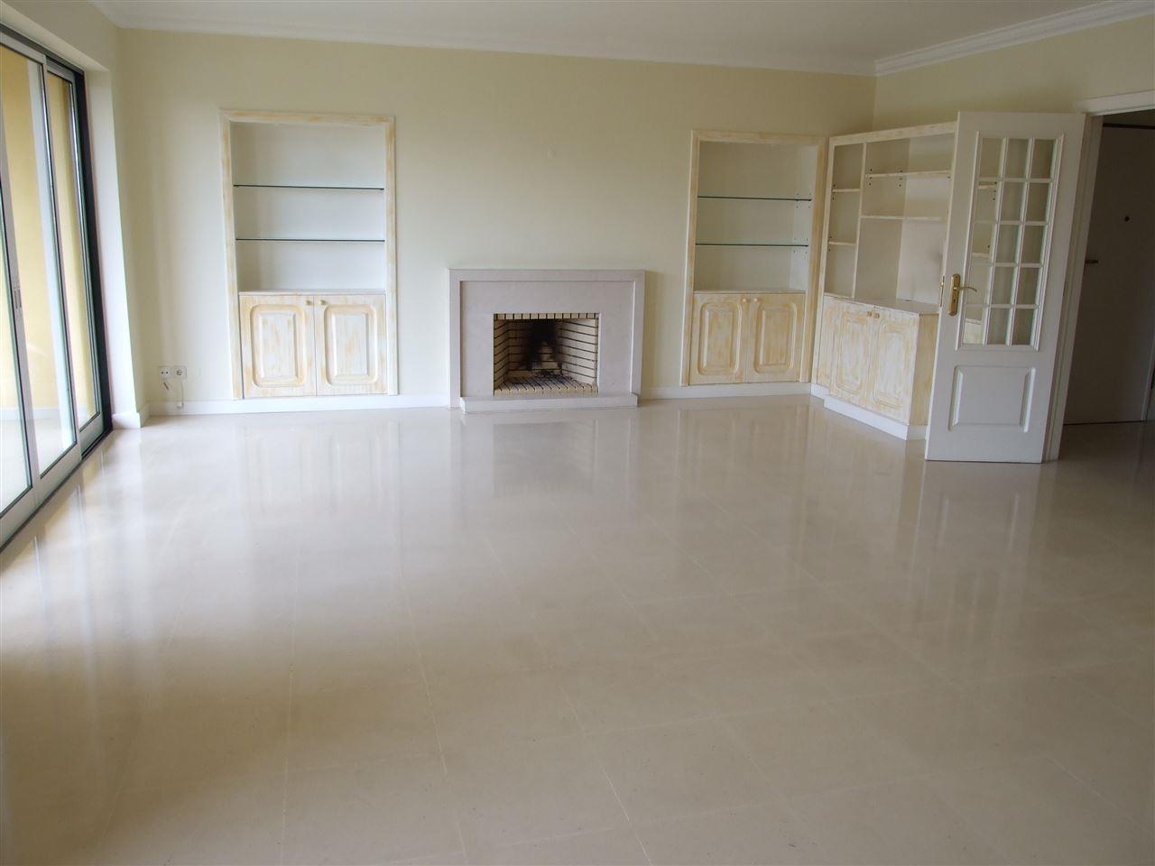 Квартира для того Продажа на Flat, 3 bedrooms, for Sale Cascais, Лиссабон Португалия