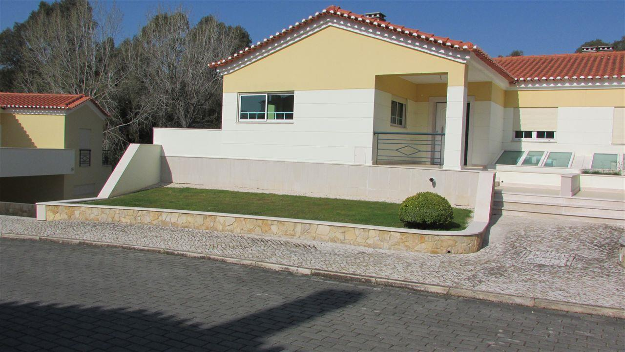 Maison unifamiliale pour l Vente à House, 3 bedrooms, for Sale Sintra, Lisbonne, 2750- Portugal