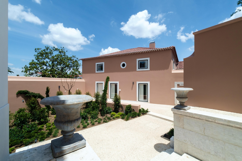 Apartment for Sale at Flat, 4 bedrooms, for Sale Lisboa, Lisboa, - Portugal