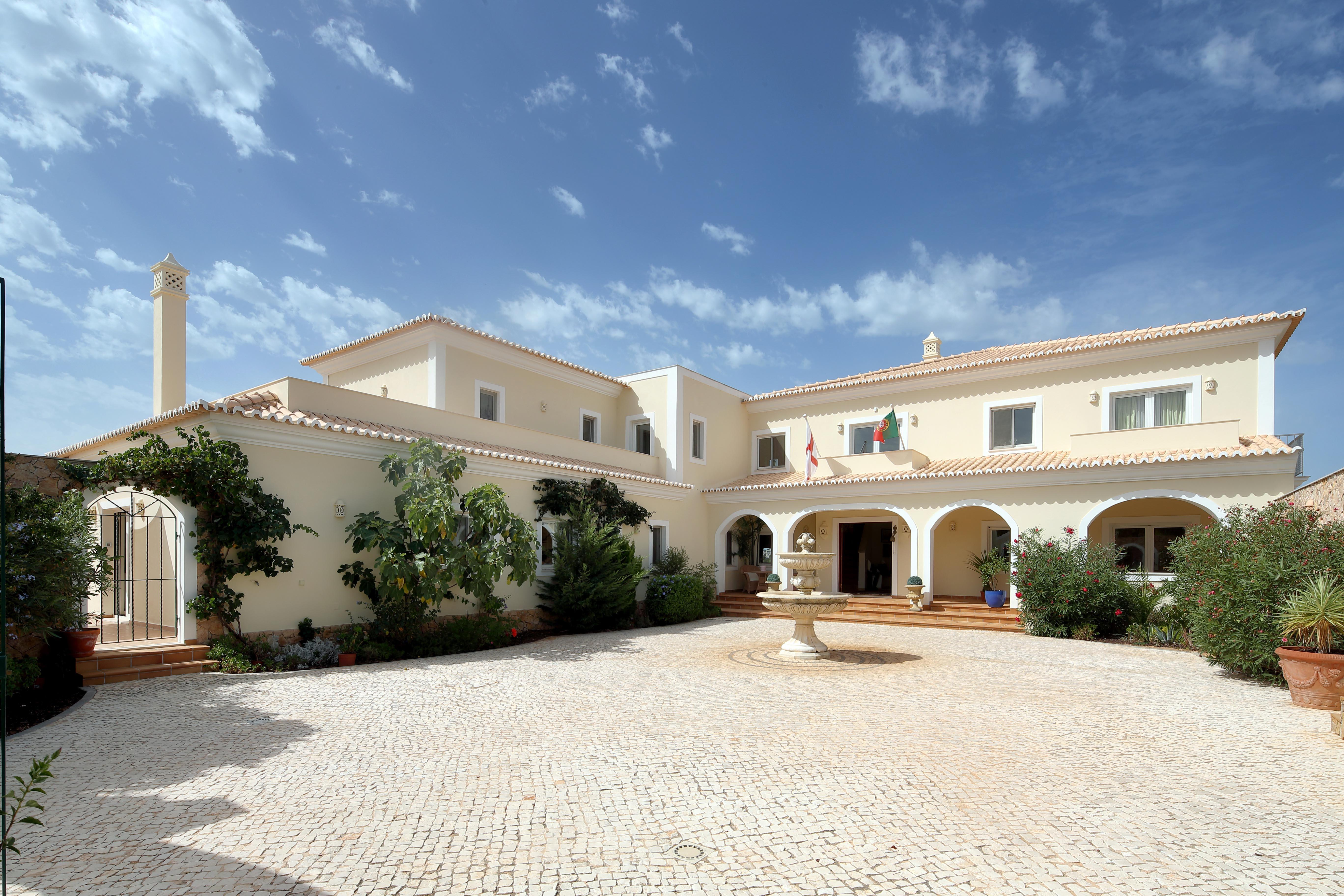 Single Family Home for Sale at Detached house, 7 bedrooms, for Sale Other Portugal, Other Areas In Portugal, 8400-484 Portugal