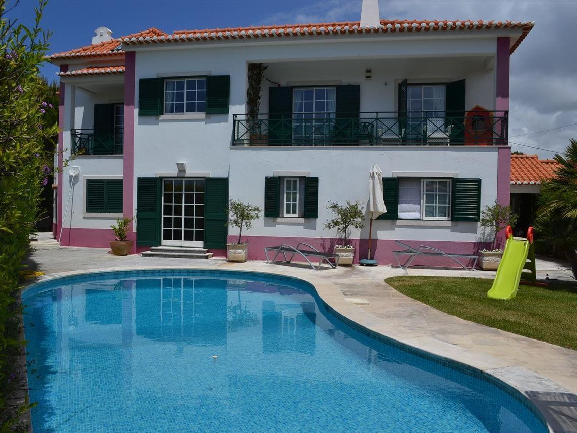 Casa para uma família para Venda às Detached house, 3 bedrooms, for Sale Sintra, Lisboa Portugal