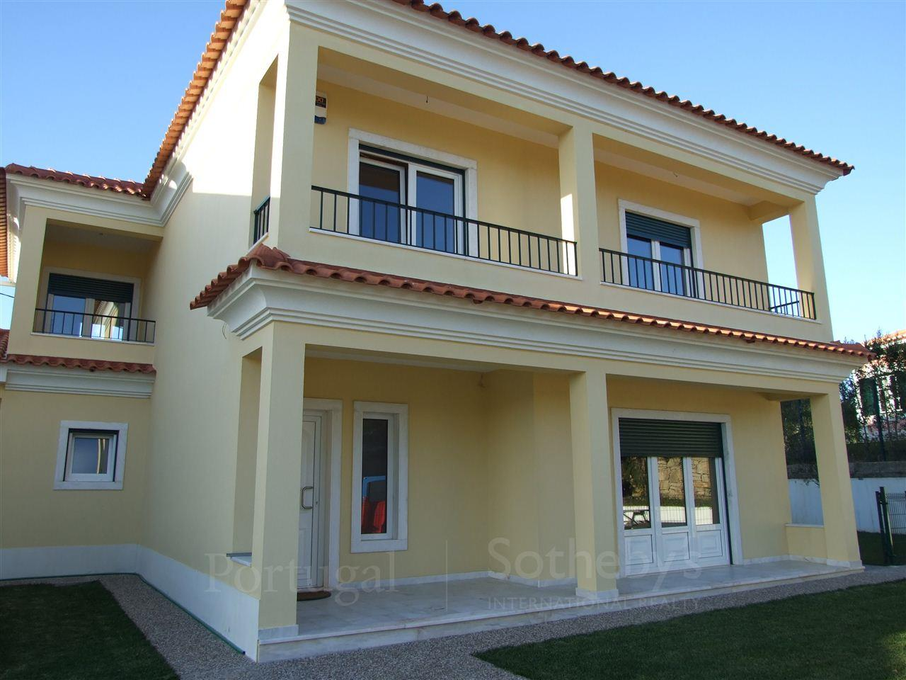 Single Family Home for Sale at House, 5 bedrooms, for Sale Sintra, Lisboa, 2710-121 Portugal