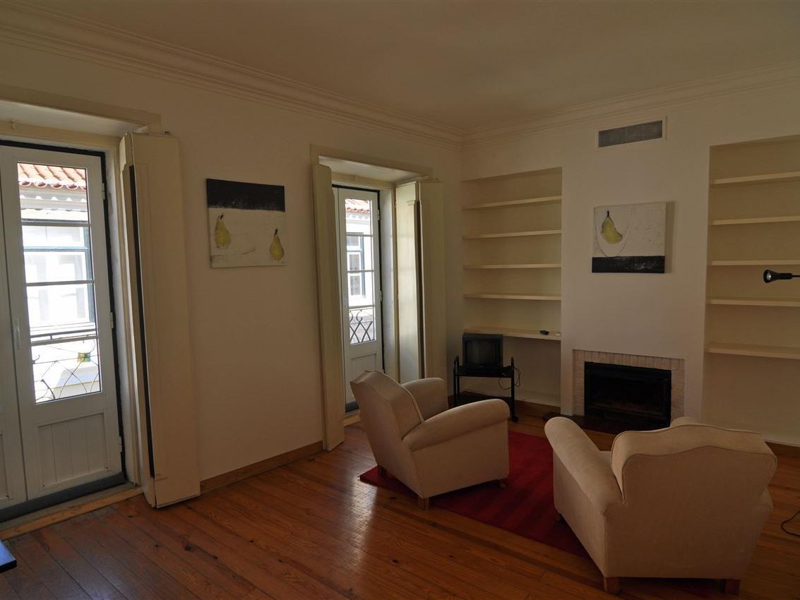Квартира для того Продажа на Flat, 2 bedrooms, for Sale Chiado, Lisboa, Лиссабон Португалия