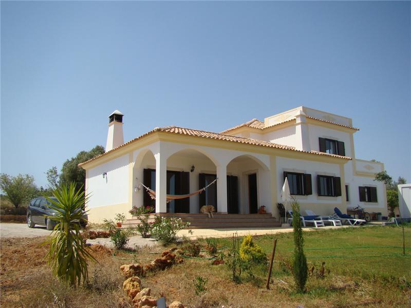Maison unifamiliale pour l Vente à House, 4 bedrooms, for Sale Albufeira, Algarve Portugal