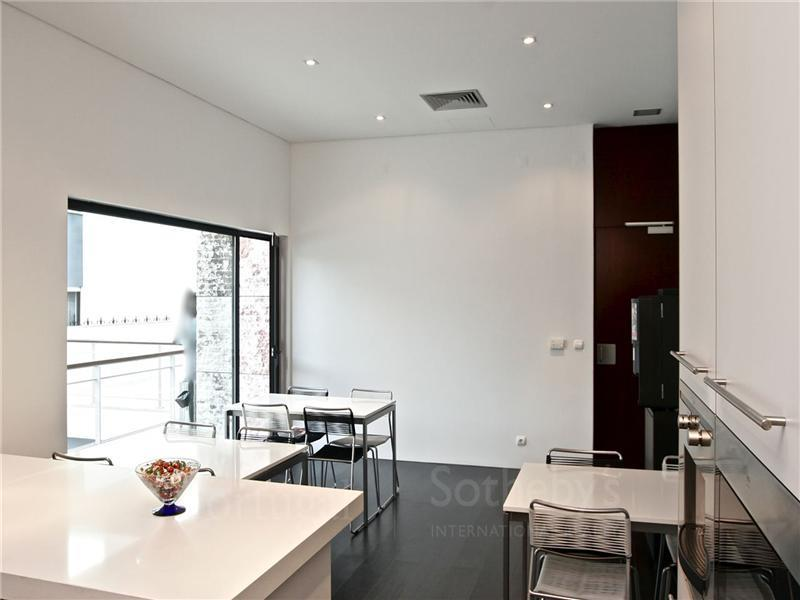 Maison unifamiliale pour l Vente à House, 8 bedrooms, for Sale Lisboa, Lisbonne, 1400-020 Portugal