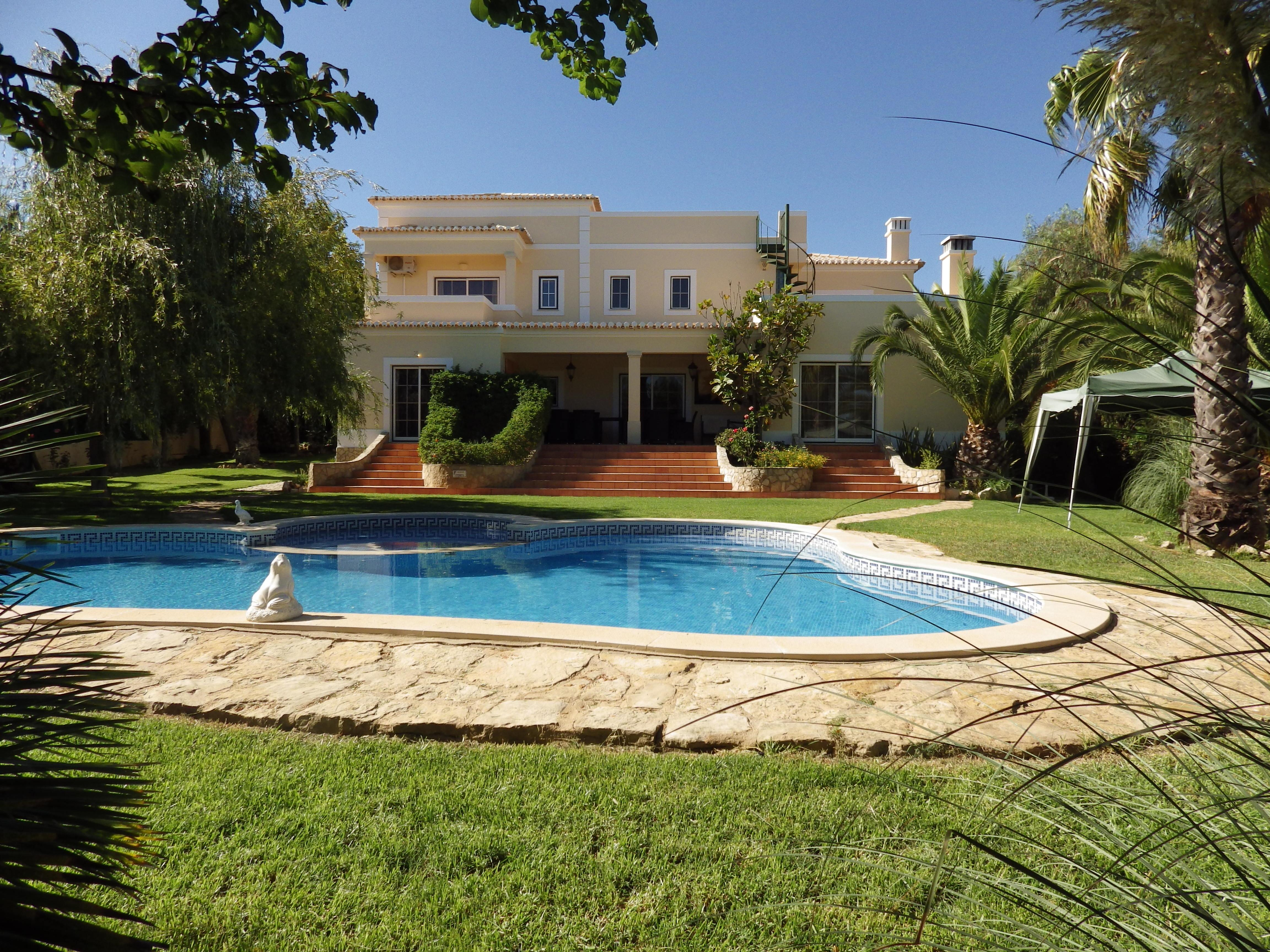 Single Family Home for Sale at Detached house, 5 bedrooms, for Sale Other Portugal, Other Areas In Portugal, 8400-453 Portugal