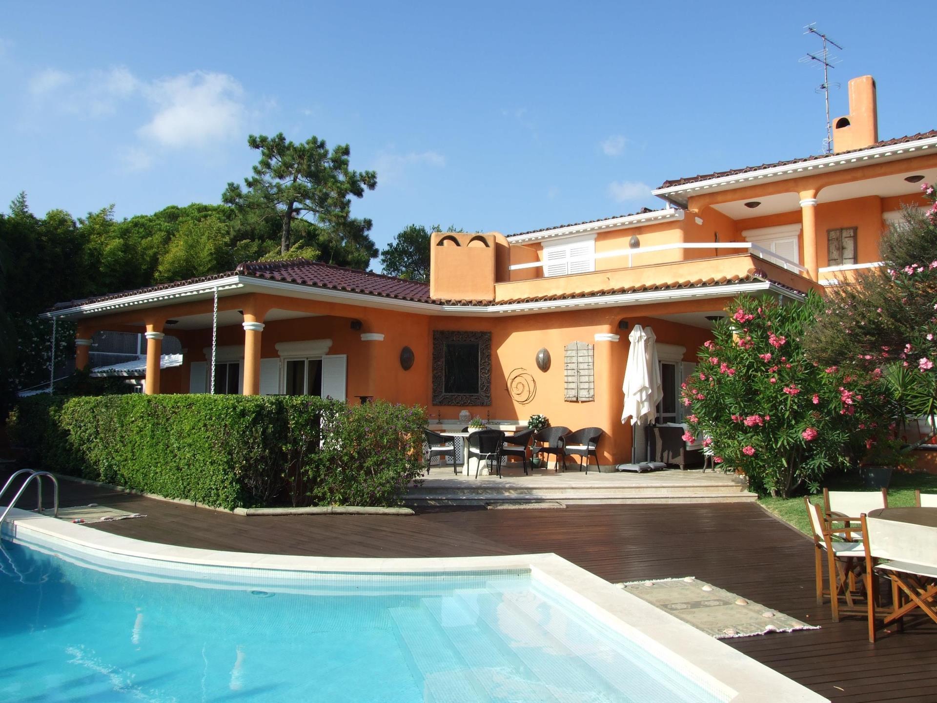 Vivienda unifamiliar por un Venta en House, 4 bedrooms, for Sale Bicuda, Cascais, Lisboa Portugal