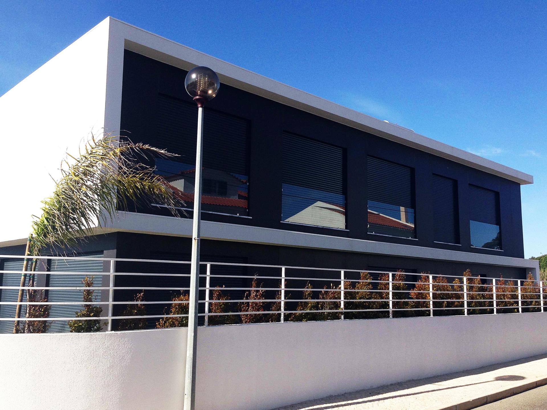 Vivienda unifamiliar por un Venta en Detached house, 4 bedrooms, for Sale Cascais, Lisboa Portugal