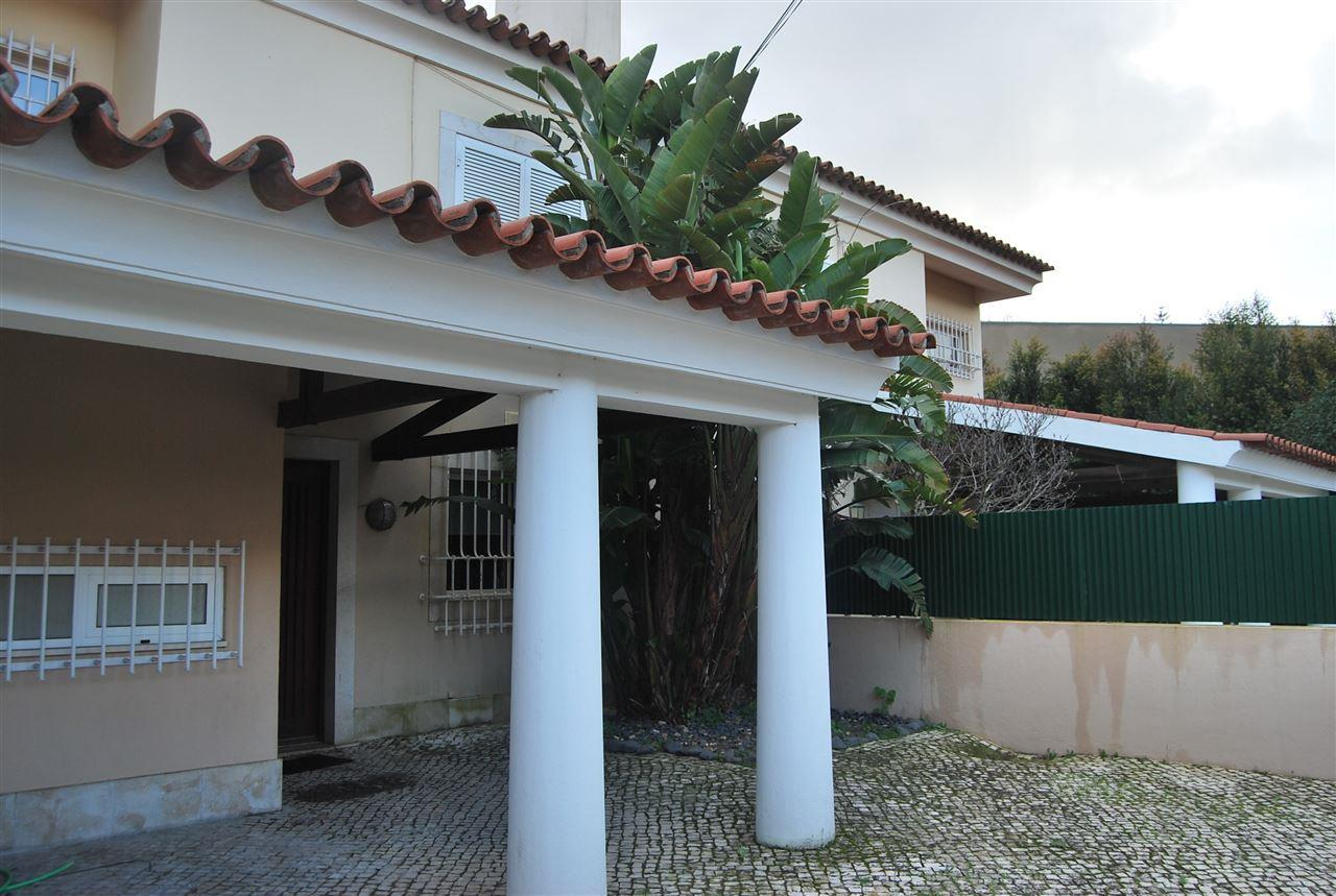 Maison unifamiliale pour l Vente à House, 4 bedrooms, for Sale Oeiras, Lisbonne, 2760-066 Portugal