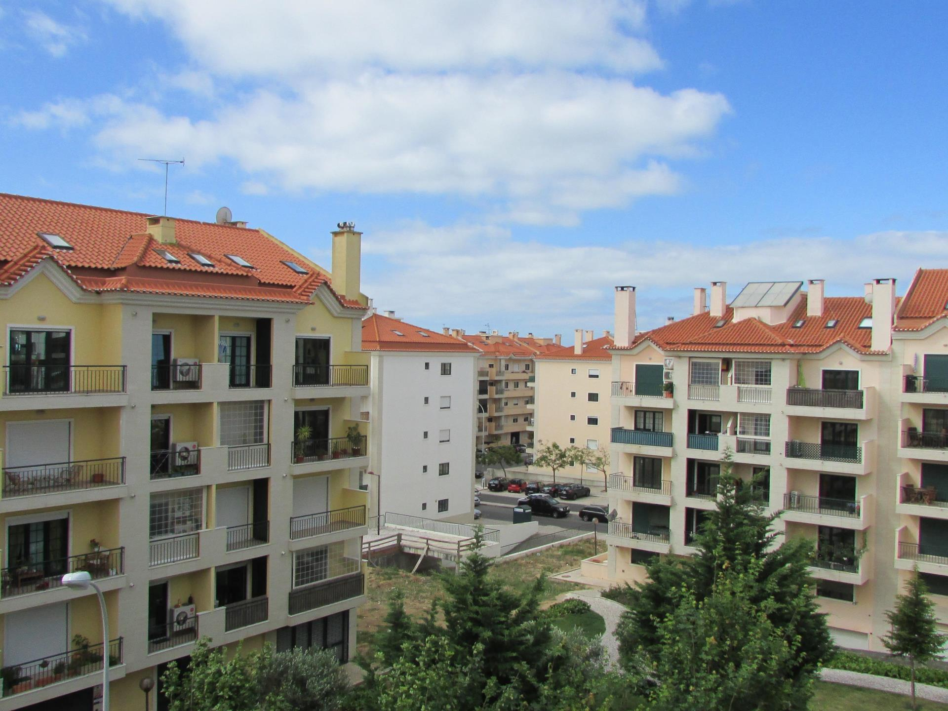 Duplex для того Продажа на Duplex, 3 bedrooms, for Sale Cascais, Лиссабон Португалия