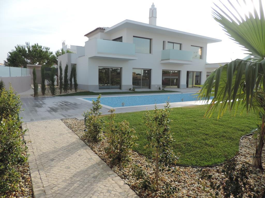 Villa per Vendita alle ore House, 5 bedrooms, for Sale Albufeira, Algarve Portogallo