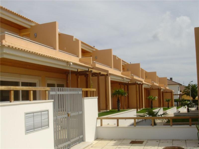 Casa para uma família para Venda às House, 4 bedrooms, for Sale Cascais, Lisboa Portugal