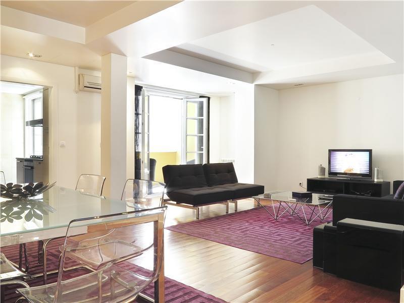 Квартира для того Продажа на Flat, 3 bedrooms, for Sale Chiado, Lisboa, Лиссабон Португалия