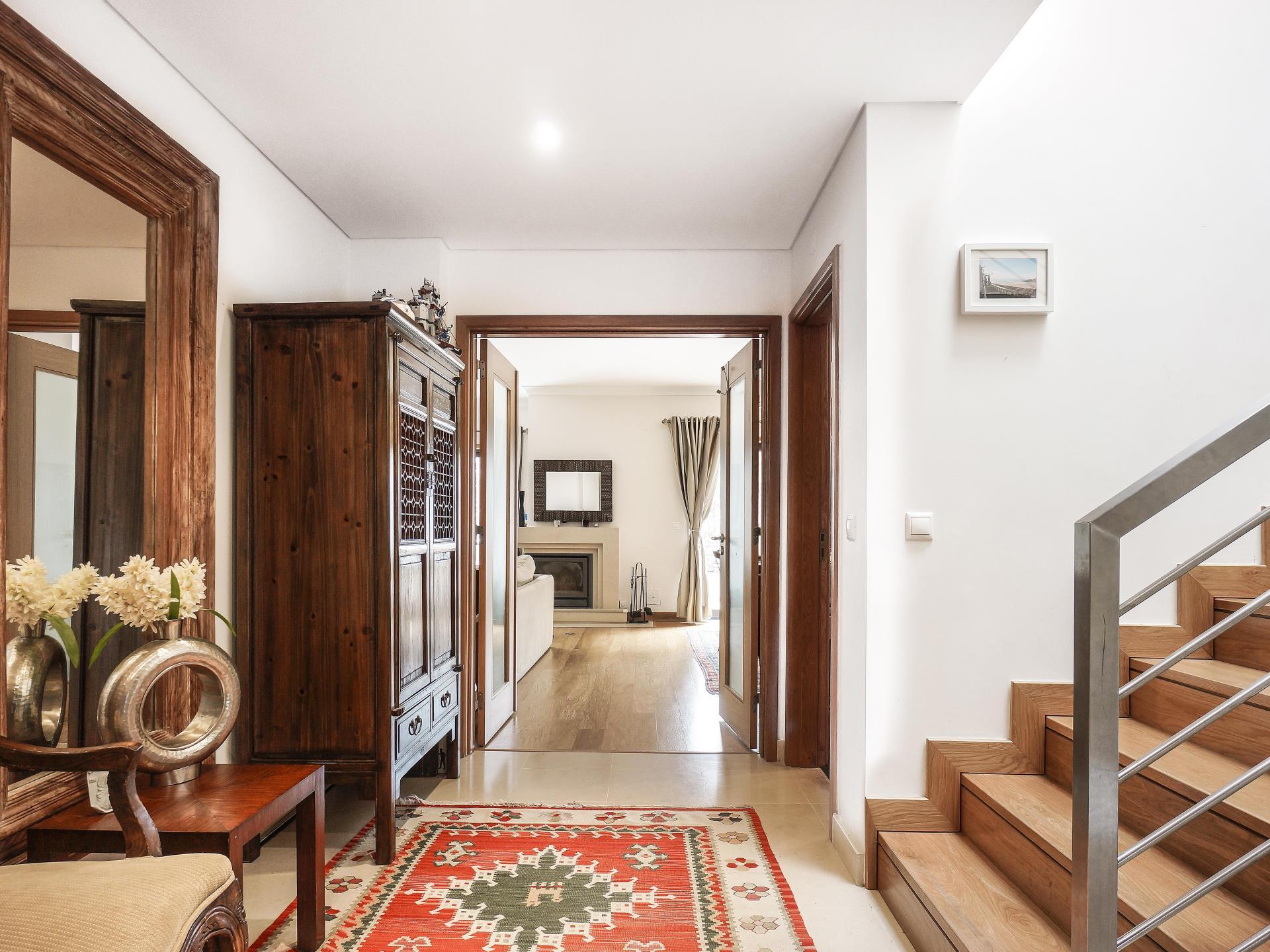 Maison unifamiliale pour l Vente à Terraced house, 4 bedrooms, for Sale Oeiras, Lisbonne Portugal