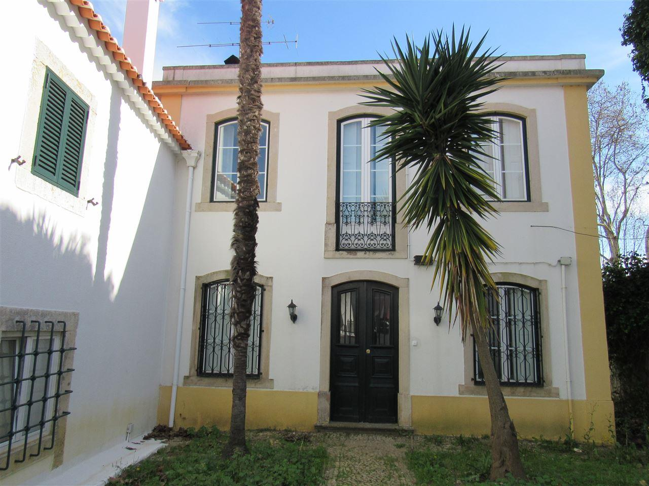 sales property at House, 6 bedrooms, for Sale