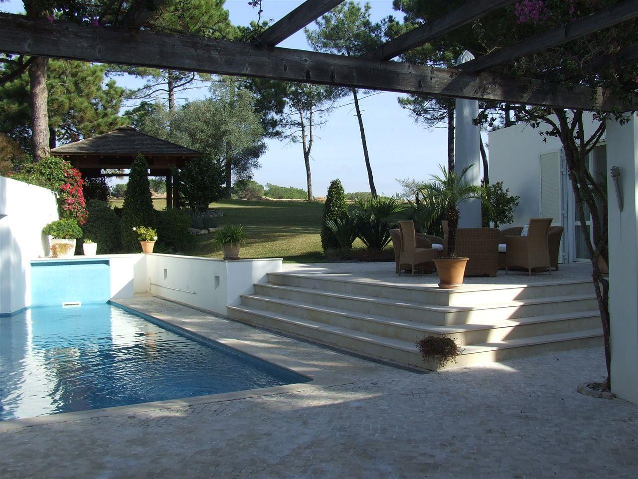 Moradia para Venda às Detached house, 6 bedrooms, for Sale Loule, Algarve Portugal