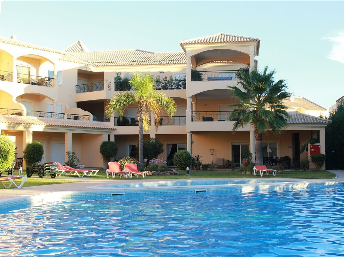 Apartment for Sale at Flat, 4 bedrooms, for Sale Loule, Algarve Portugal