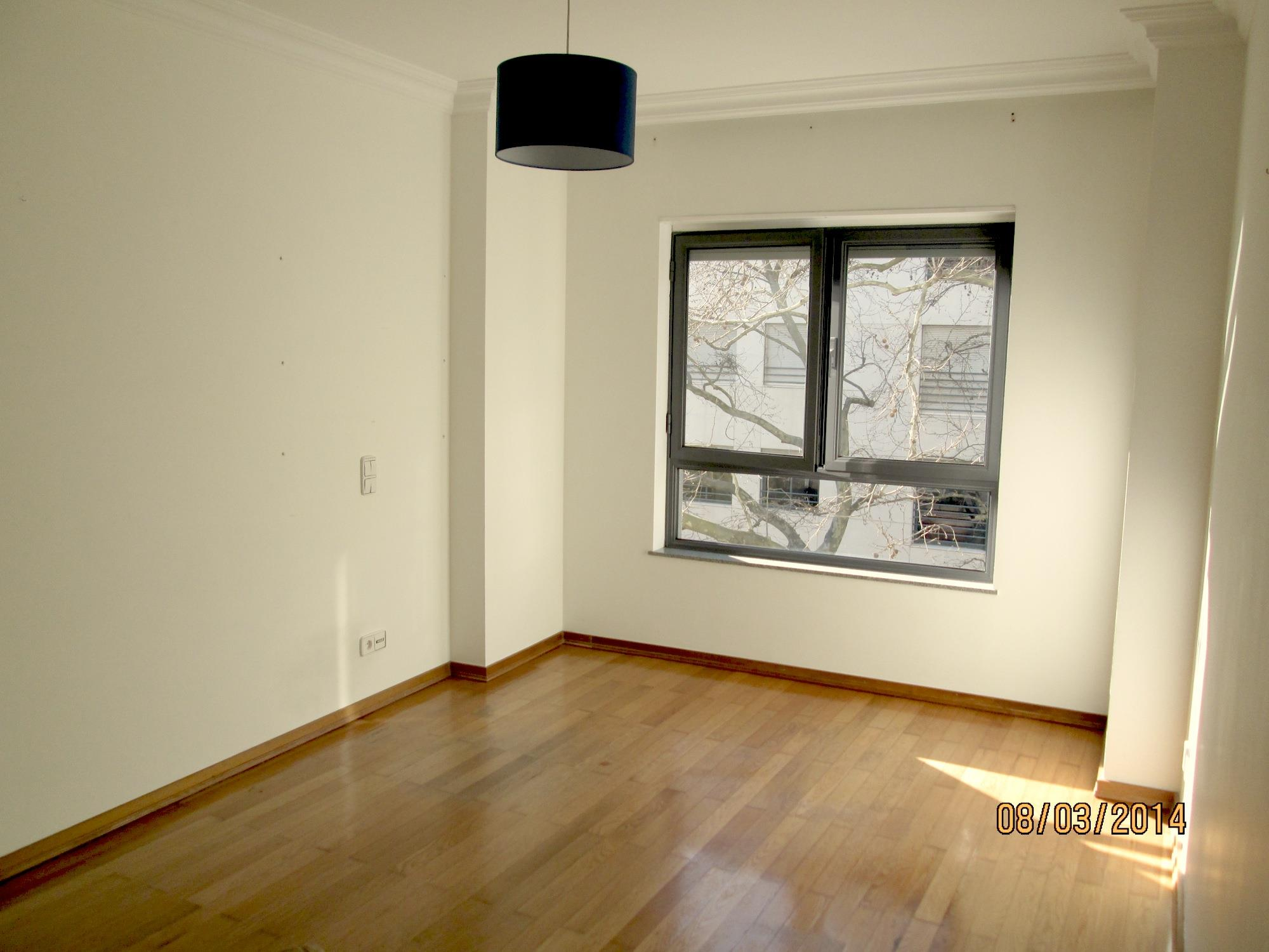 Apartment for Sale at Flat, 3 bedrooms, for Sale Lisboa, Lisboa, 1050-235 Portugal