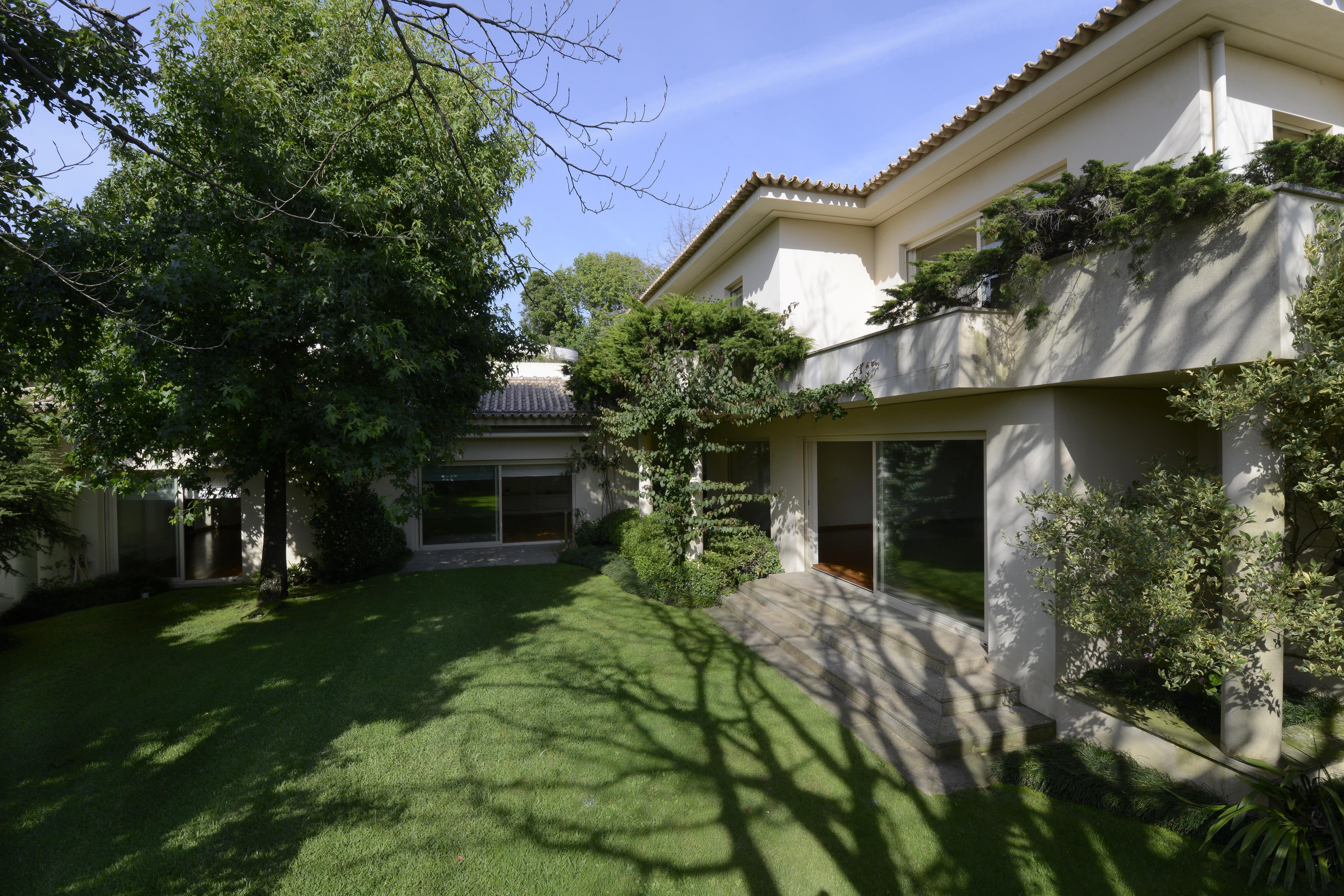 Vivienda unifamiliar por un Venta en Detached house, 5 bedrooms, for Sale Porto, Porto, 4150-635 Portugal