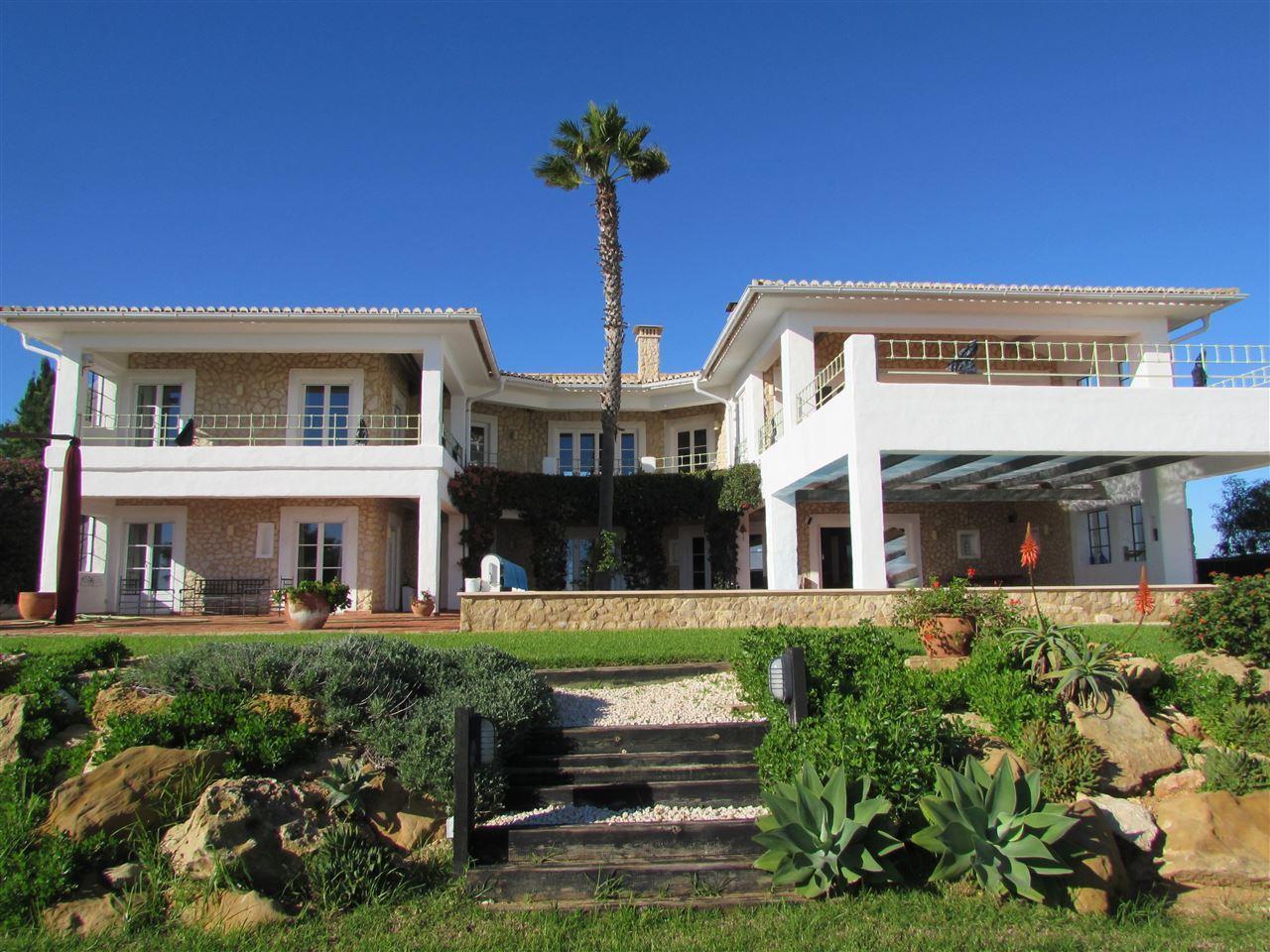 Einfamilienhaus für Verkauf beim Detached house, 3 bedrooms, for Sale Lagos, Algarve Portugal