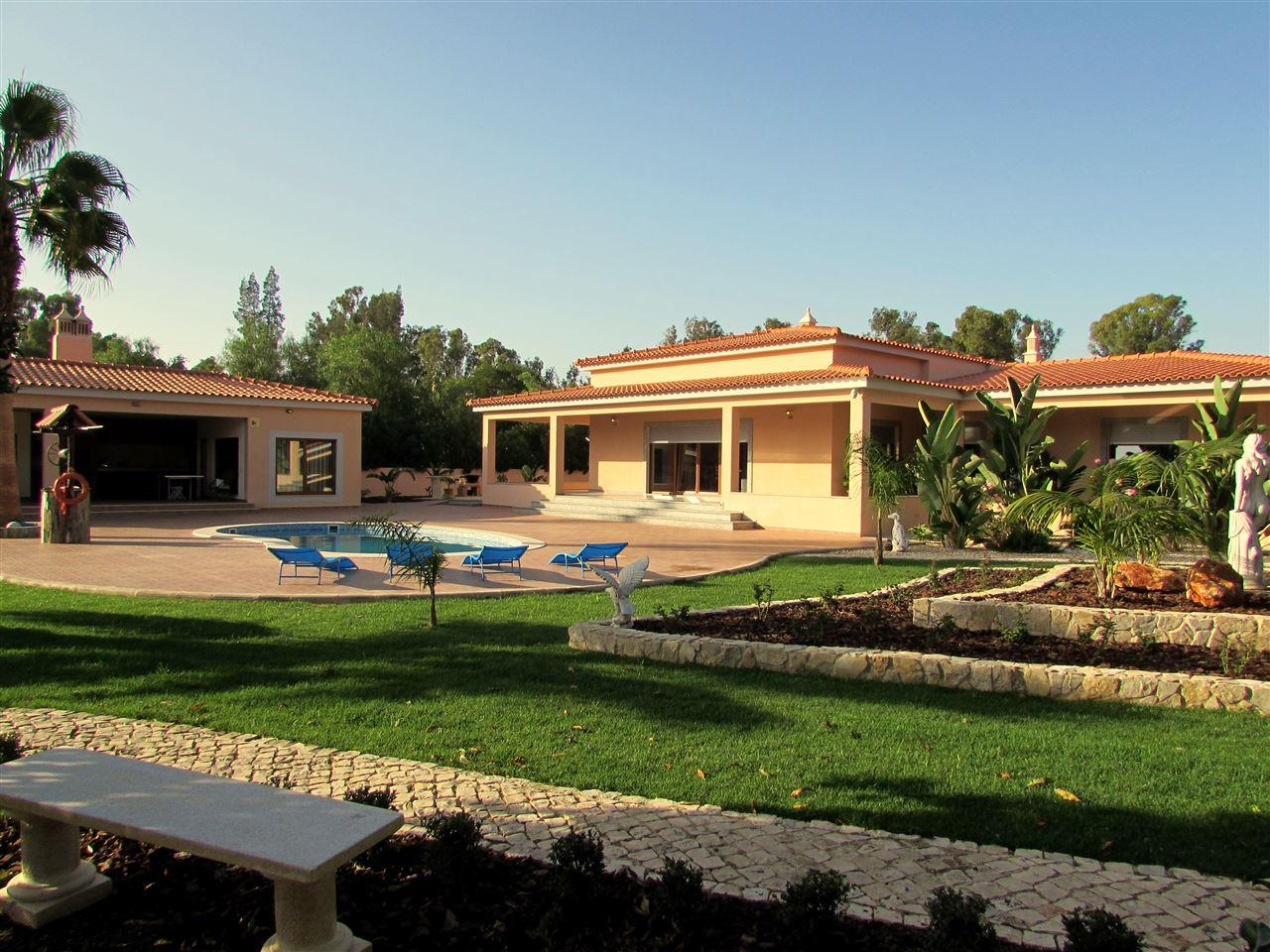 Single Family Home for Sale at Detached house, 3 bedrooms, for Sale Portimao, Algarve, Portugal