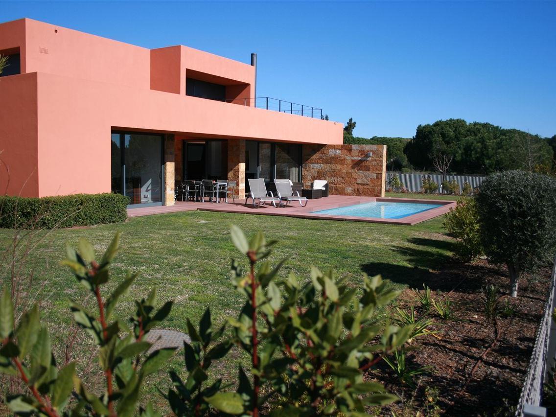 Maison unifamiliale pour l Vente à Detached house, 4 bedrooms, for Sale Loule, Algarve Portugal