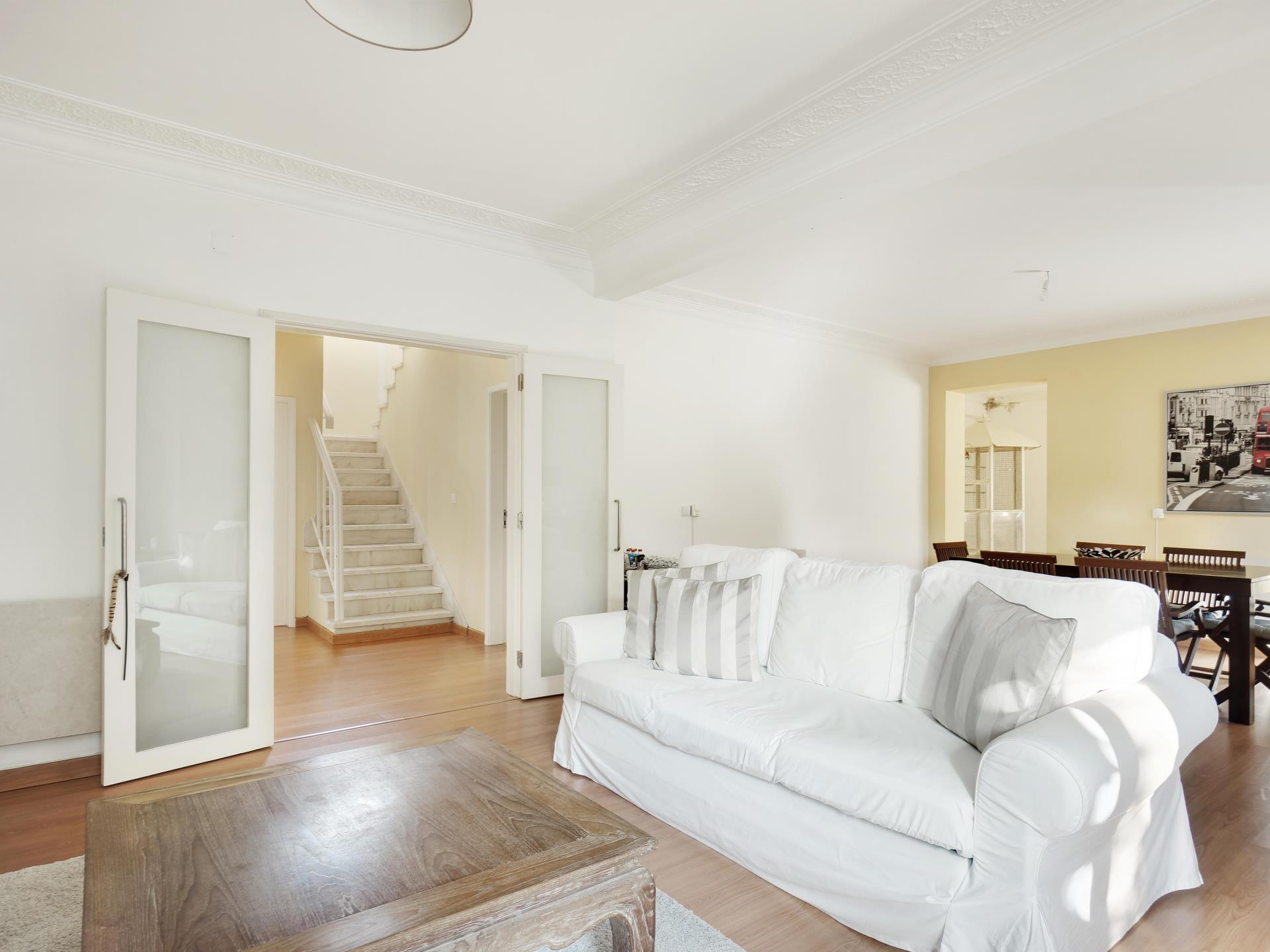 Einfamilienhaus für Verkauf beim House, 5 bedrooms, for Sale Bicuda, Cascais, Lissabon Portugal