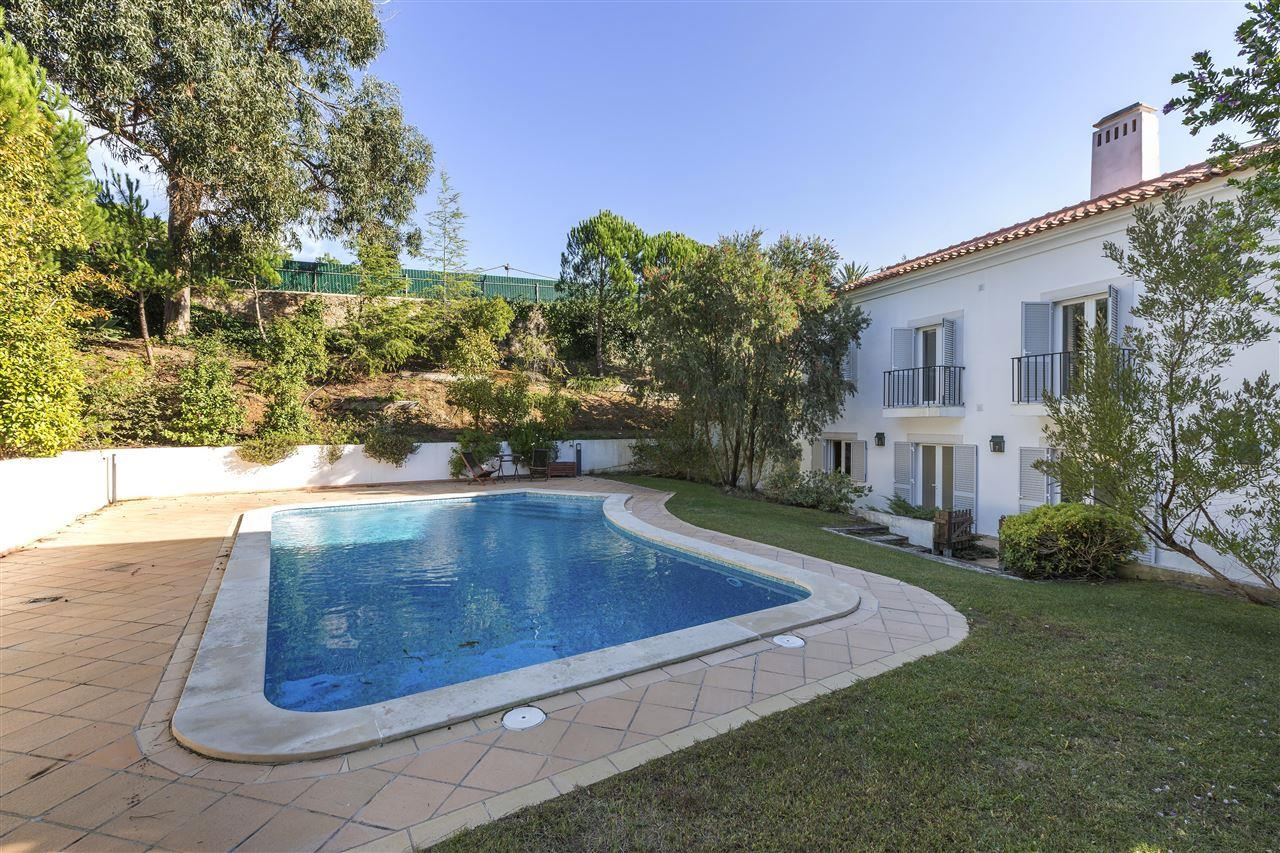 Single Family Home for Sale at House, 3 bedrooms, for Sale Cascais, Lisboa, 2645-143 Portugal