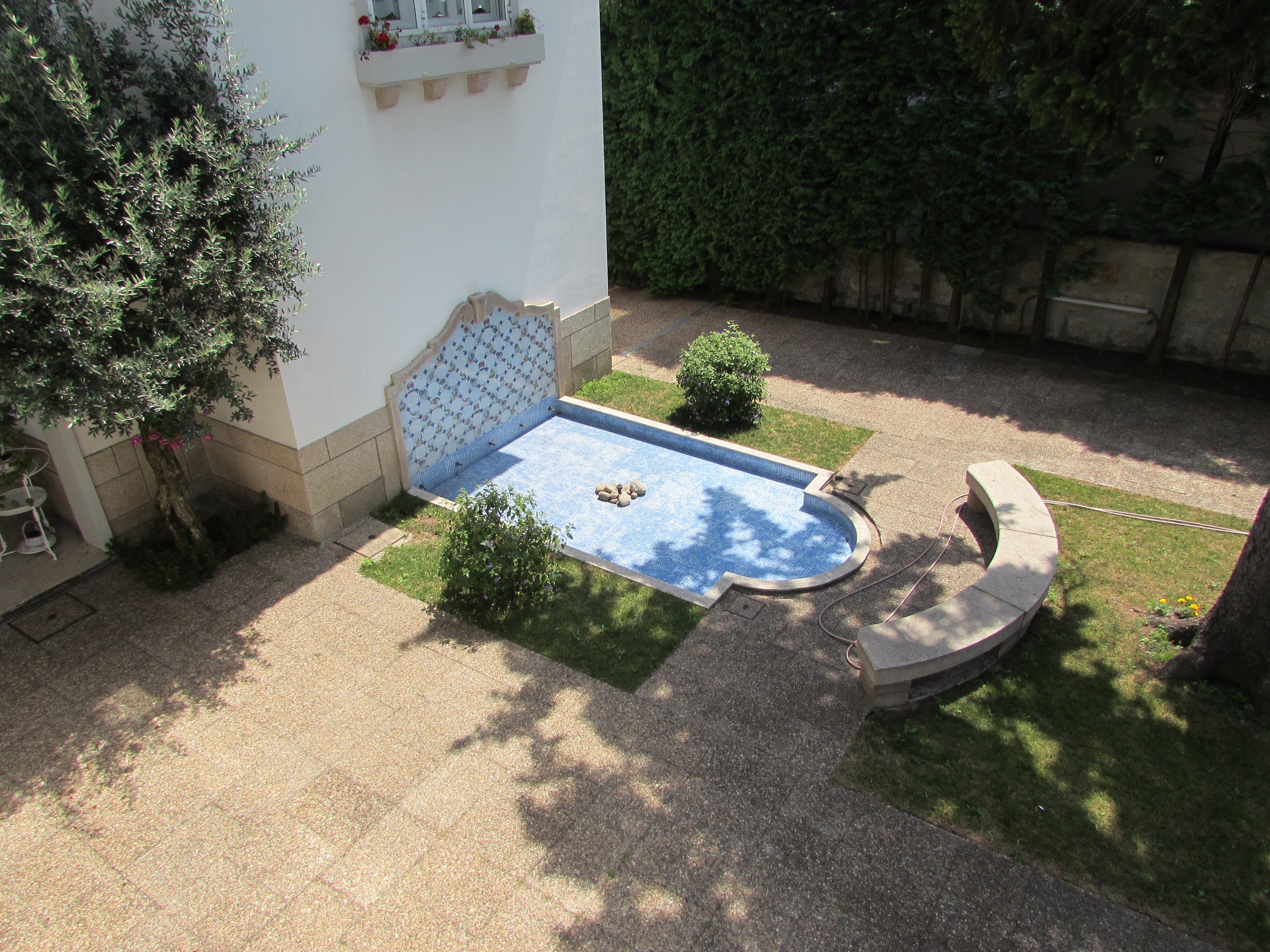 Casa Unifamiliar por un Venta en House, 5 bedrooms, for Sale Porto, Porto 4200-259 Portugal