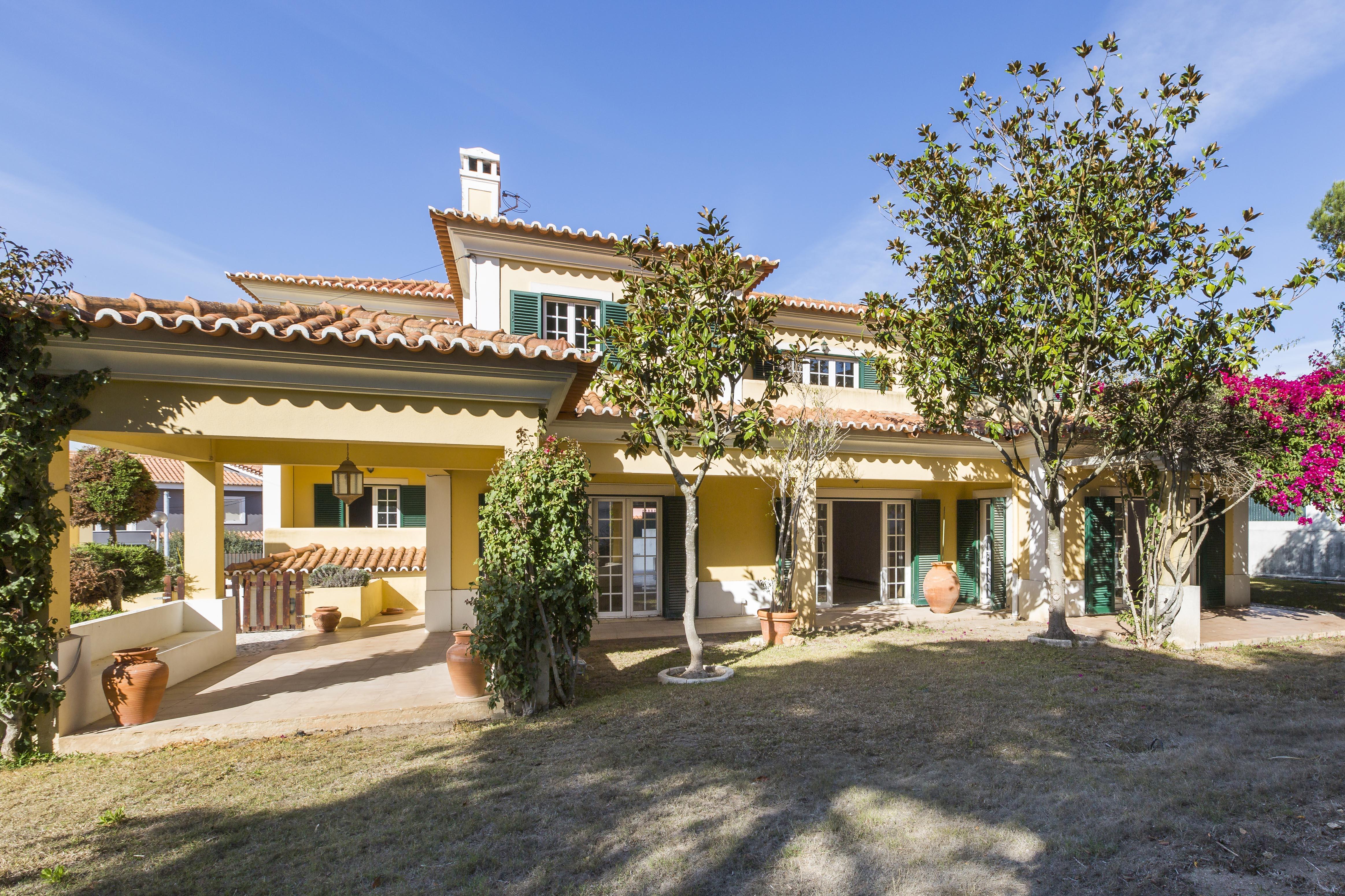 Частный односемейный дом для того Продажа на Detached house, 4 bedrooms, for Sale Cascais, Лиссабон, 2750-260 Португалия