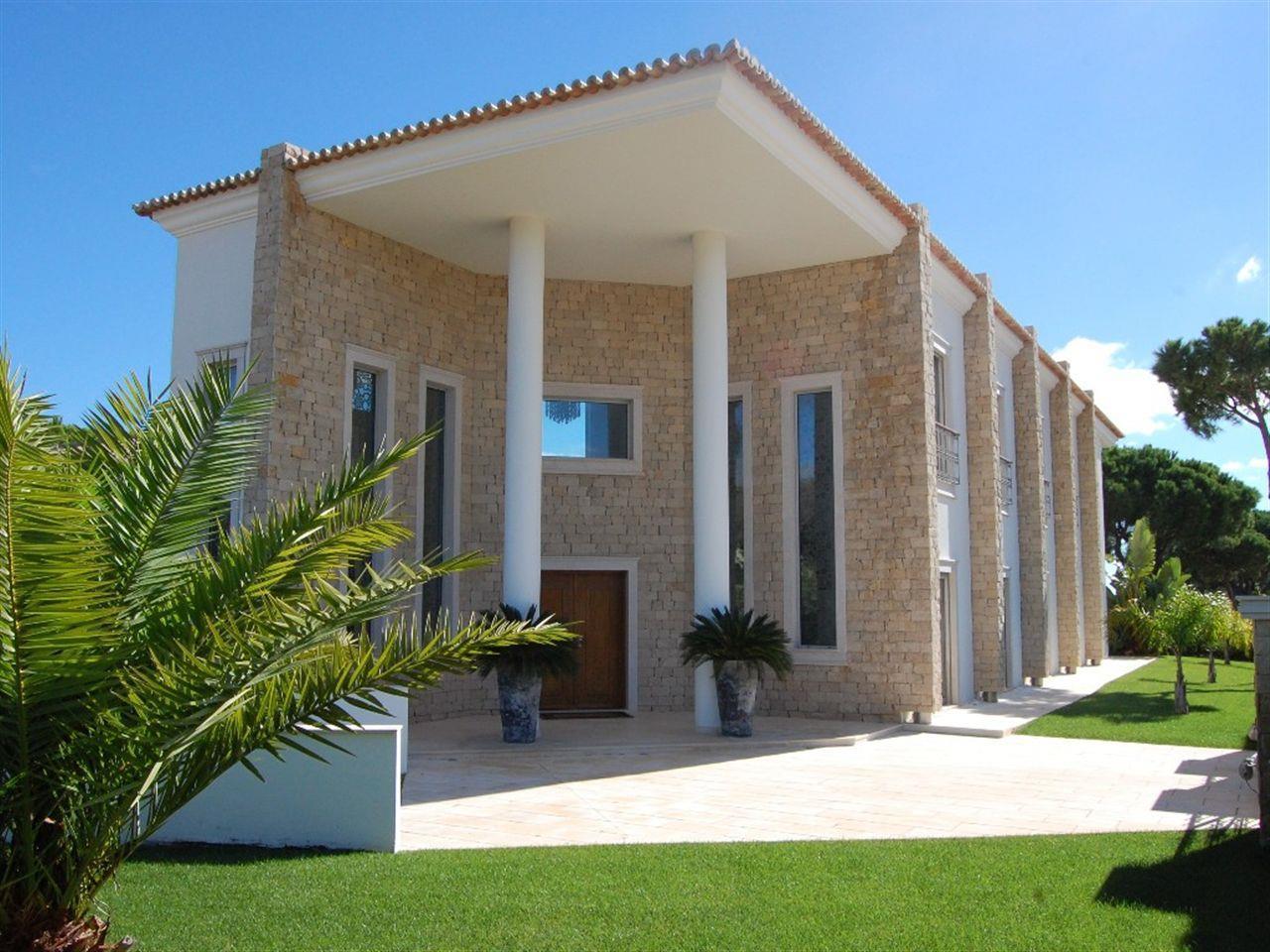 Moradia para Venda às Detached house, 4 bedrooms, for Sale Loule, Algarve Portugal