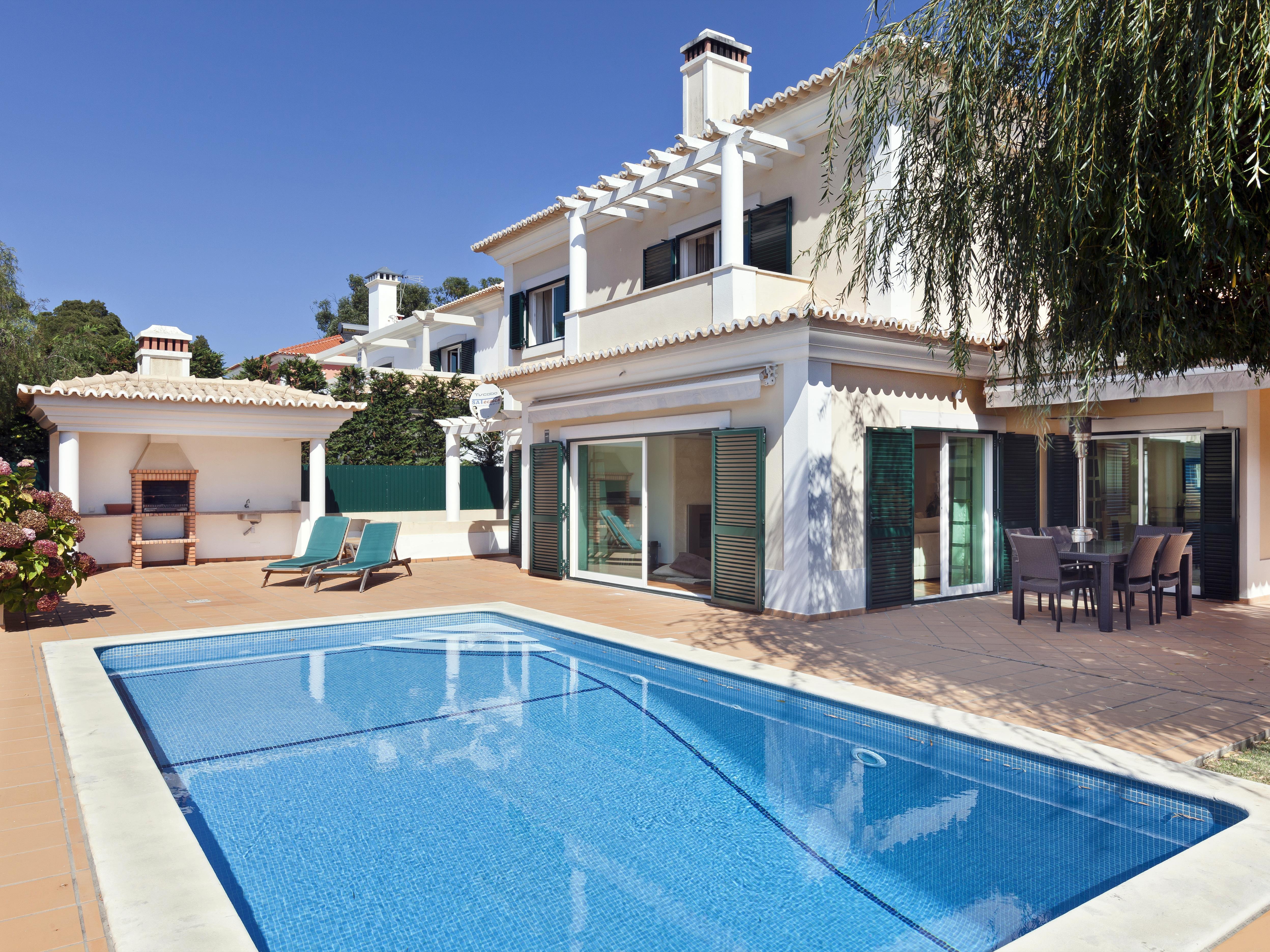 獨棟家庭住宅 為 出售 在 Detached house, 4 bedrooms, for Sale Cascais, 葡京 - 葡萄牙
