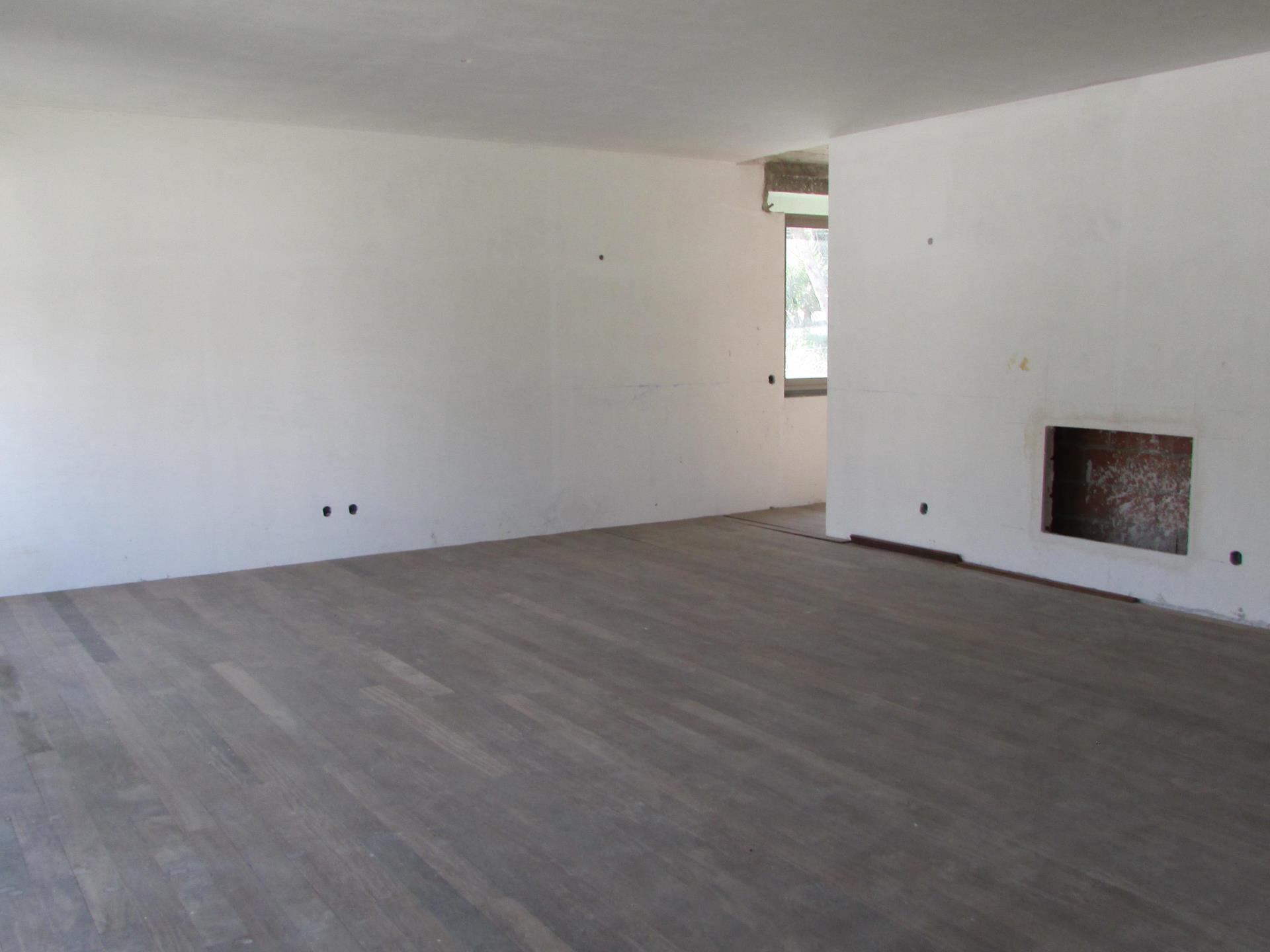 Tek Ailelik Ev için Satış at House, 3 bedrooms, for Sale Cobre, Cascais, Lisboa Portekiz