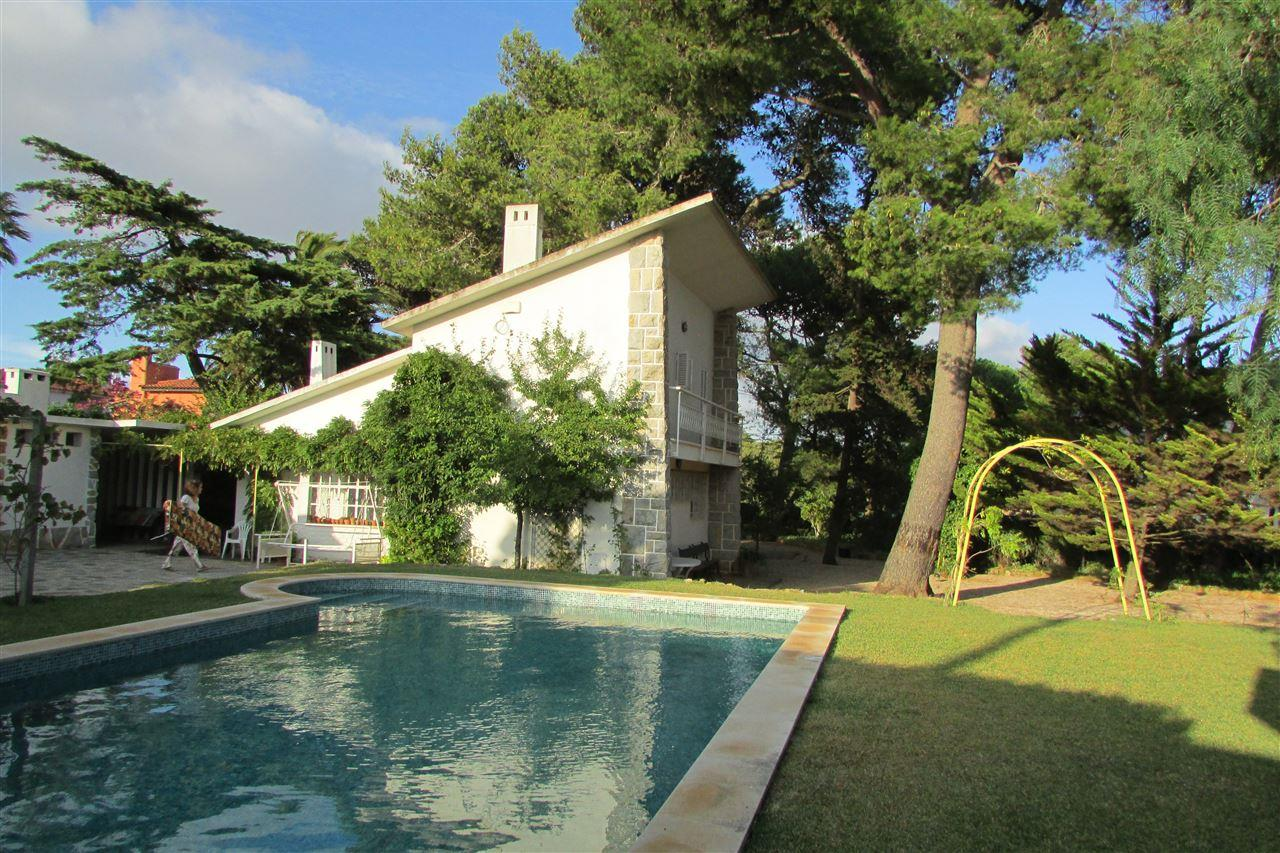 Casa Unifamiliar por un Venta en Detached house, 4 bedrooms, for Sale Cascais, Lisboa, Portugal