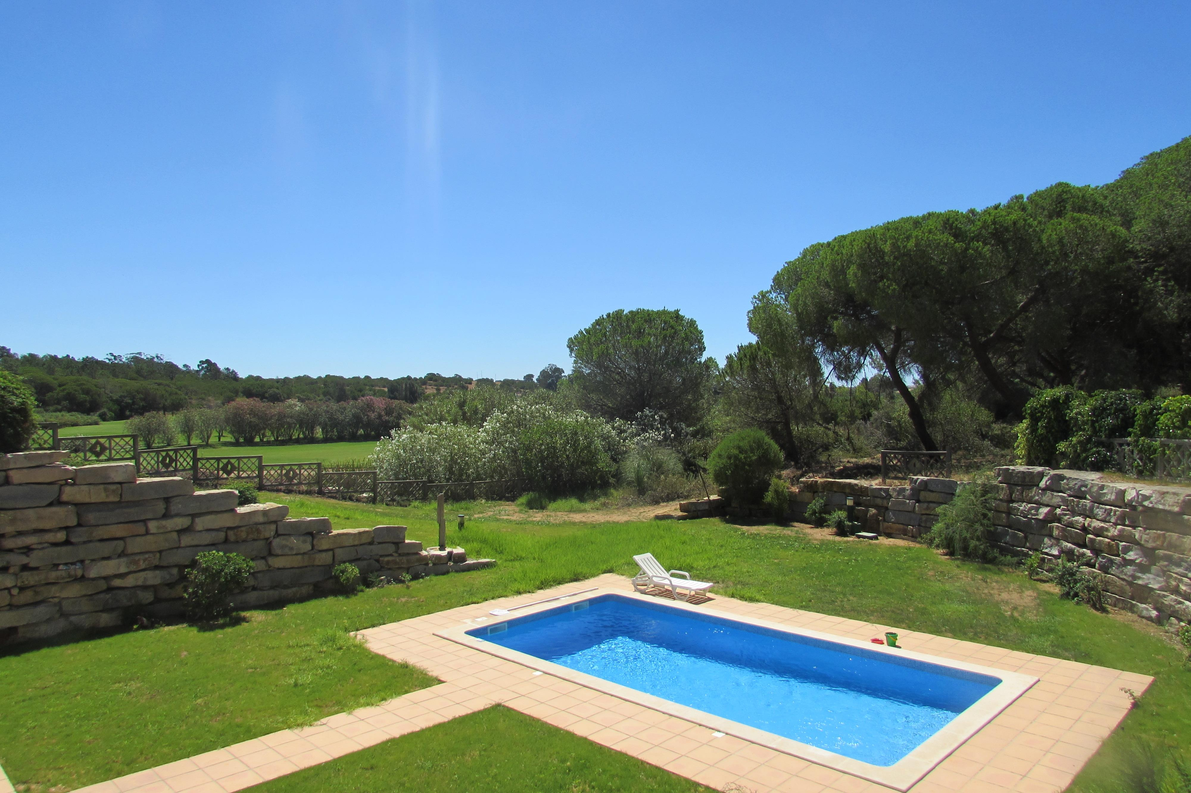 Single Family Home for Sale at Semi-detached house, 6 bedrooms, for Sale Loule, Algarve, 8135-162 Portugal