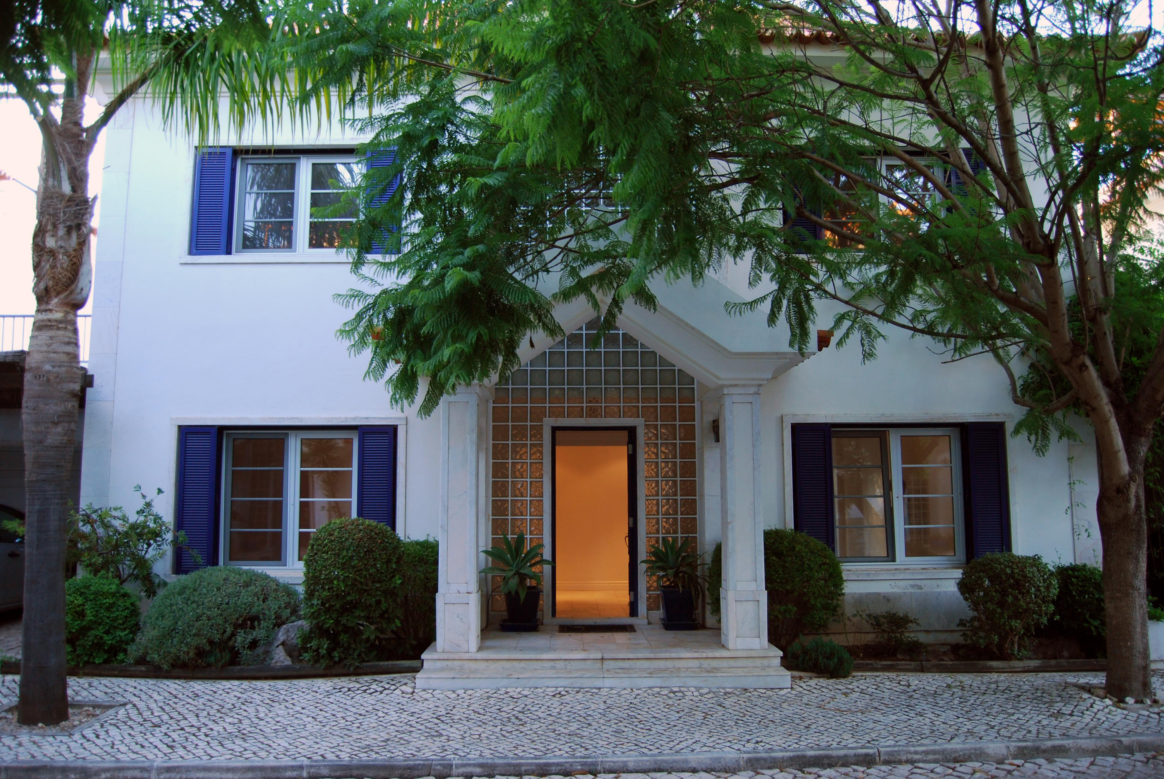 Single Family Home for Sale at Semi-detached house, 4 bedrooms, for Sale Cascais, Lisboa, 2750-028 Portugal