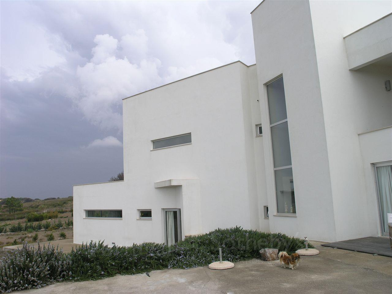Villa per Vendita alle ore Detached house, 5 bedrooms, for Sale Sintra, Lisbona Portogallo
