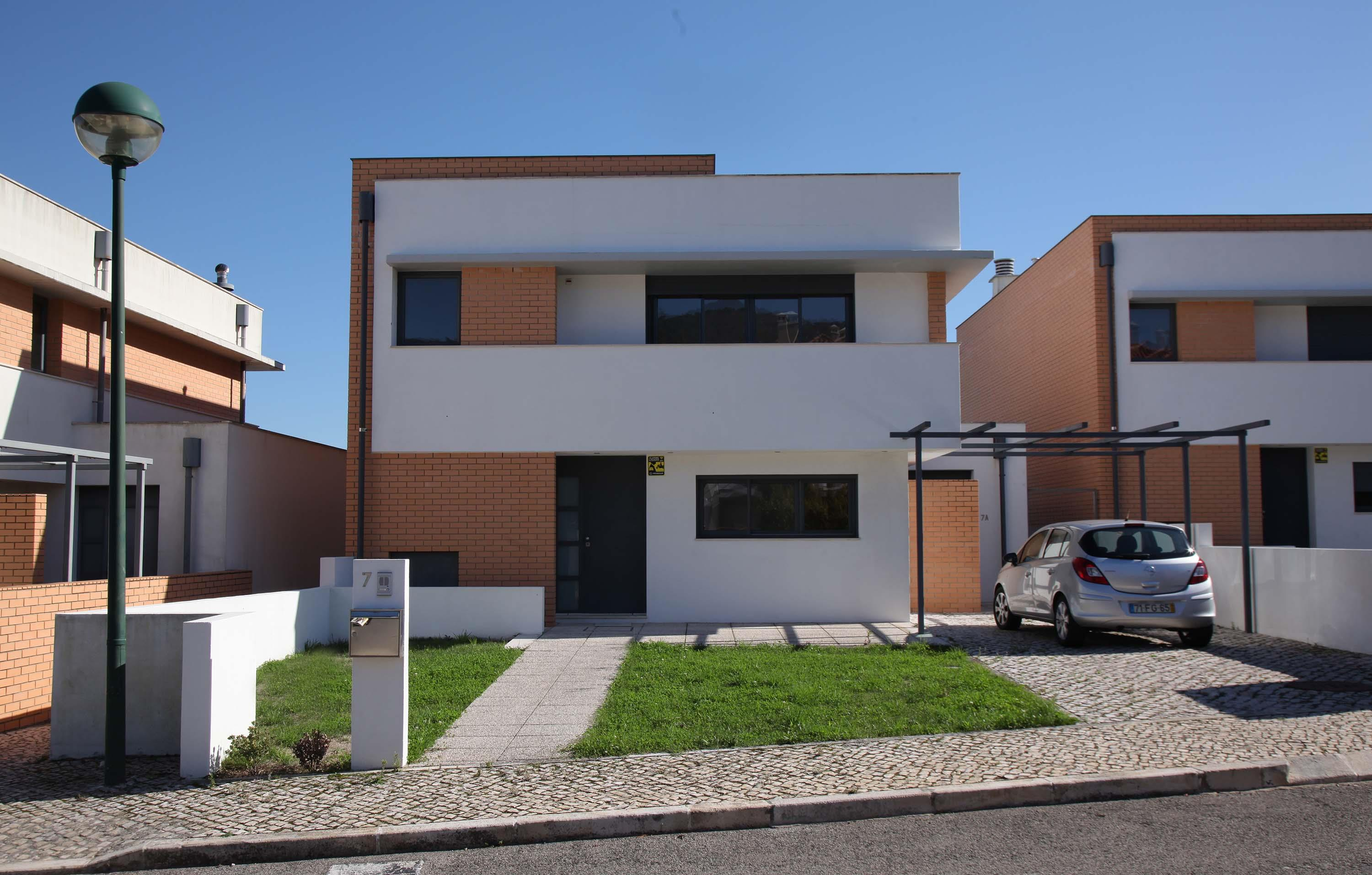 Single Family Home for Sale at House, 3 bedrooms, for Sale Sintra, Lisboa, Portugal