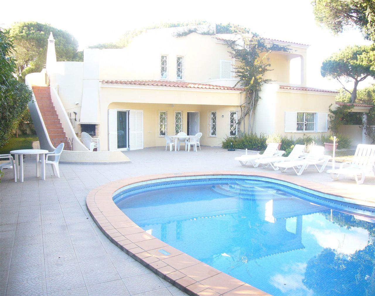 Vivienda unifamiliar por un Venta en Detached house, 4 bedrooms, for Sale Loule, Algarve, 8125-001 Portugal