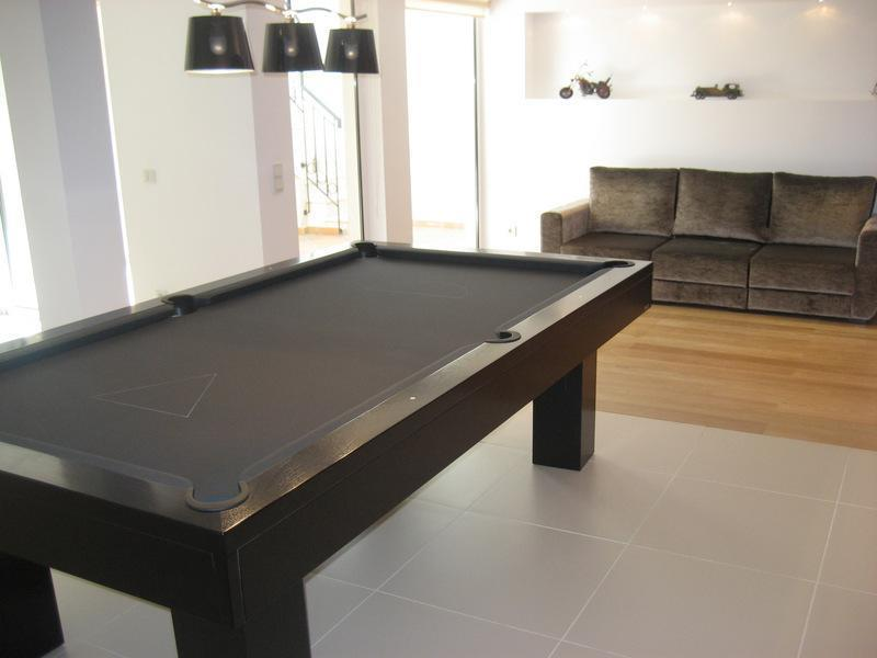 Property Of Semi-detached house, 4 bedrooms, for Sale