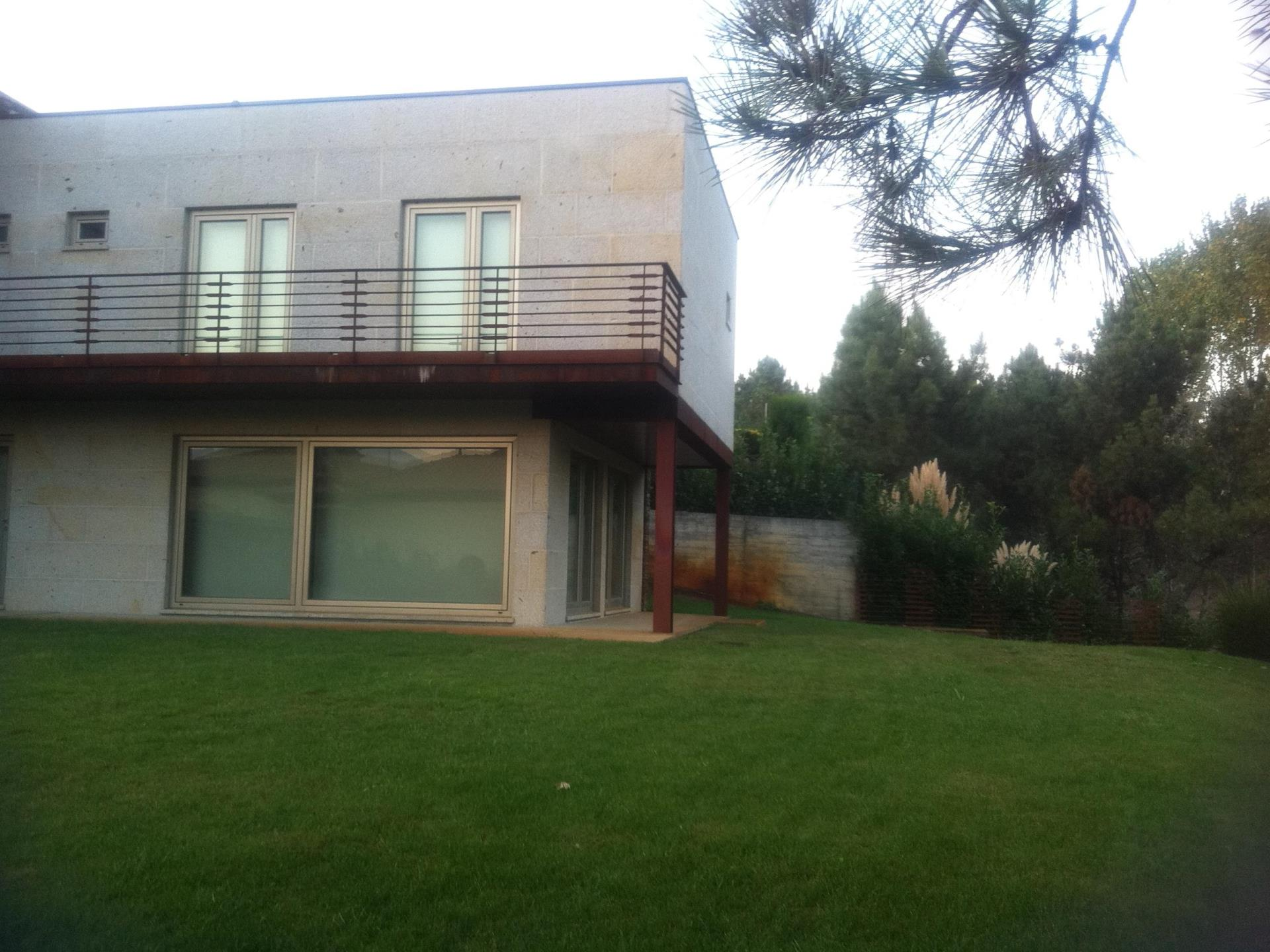 Property For Sale at House, 5 bedrooms, for Sale