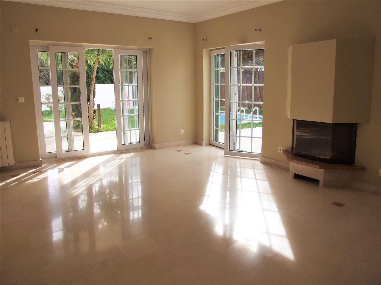 Einfamilienhaus für Verkauf beim House, 4 bedrooms, for Sale Cascais, Lissabon, 2645-143 Portugal