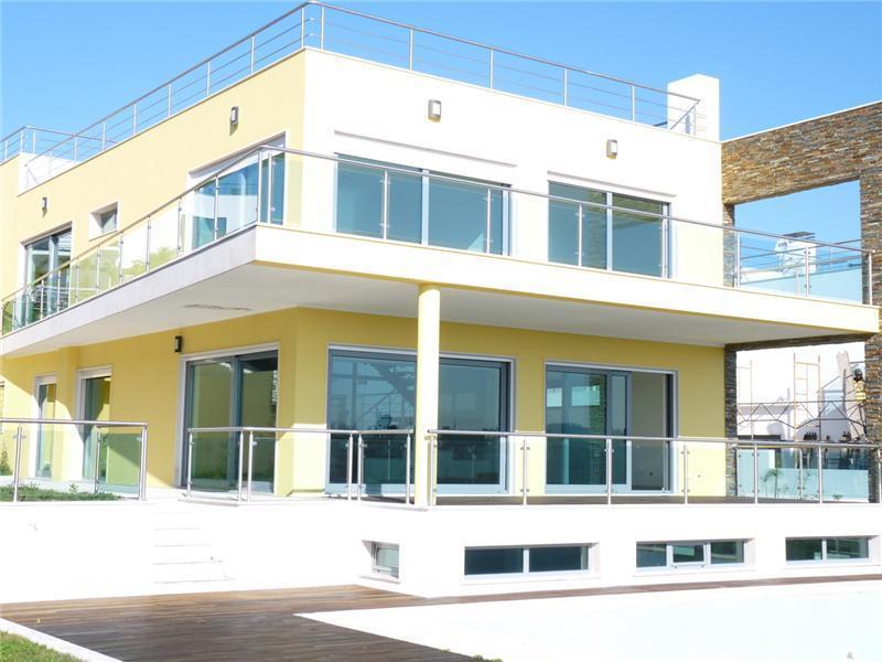 獨棟家庭住宅 為 出售 在 House, 5 bedrooms, for Sale Queijas, Oeiras, 葡京 葡萄牙