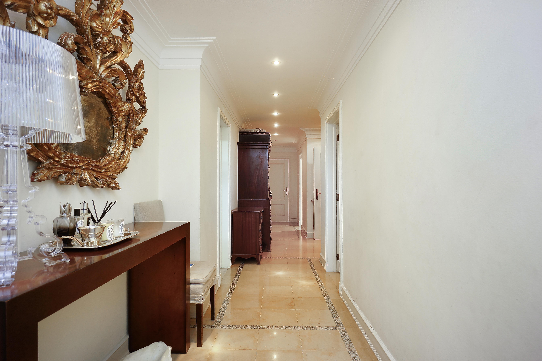 Apartment for Sale at Flat, 4 bedrooms, for Sale Lisboa, Lisboa 1350-175 Portugal