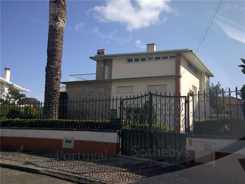 Casa para uma família para Venda às Detached house, 5 bedrooms, for Sale Oeiras, Lisboa Portugal